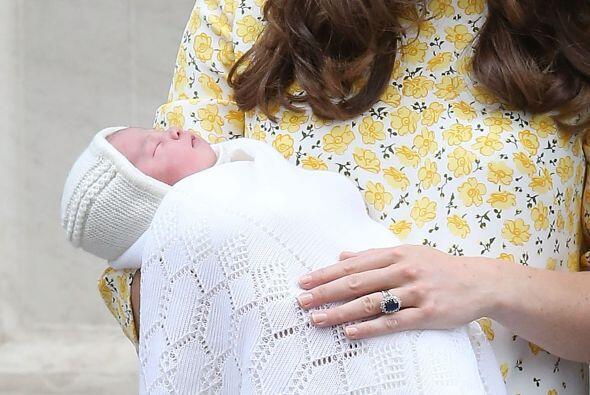 La Duquesa con la nena.