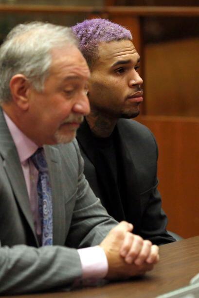Luego de golpear a Rihanna, el 8 de febrero de 2009, Chris fue acusado p...