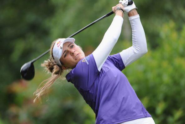 Lexi Thompson pasó a la historia como la golfista más joven en coronarse...