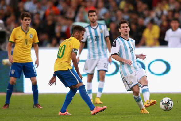 La Albiceleste enfrentó a la 'Canarinha' en otro Superclásico del fútbol...