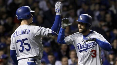 Chris Taylor (3) comandó la remontada de los Dodgers en Wrigley F...