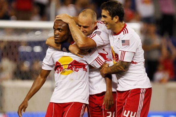 Con goles de Dane Richards y de Luke Rodgers, el NY Red Bulls venció 2-0...