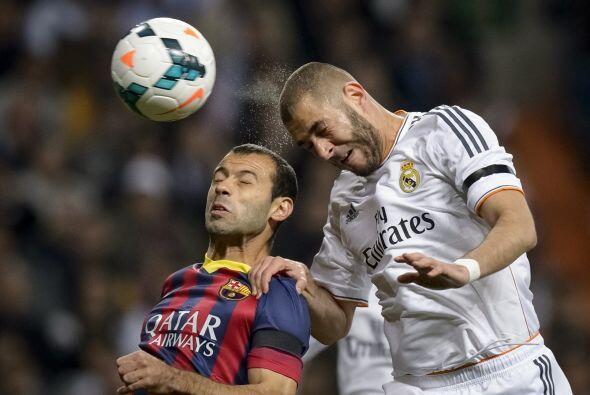 Un preciso centro fue cabeceado por el francés Karim Benzema.