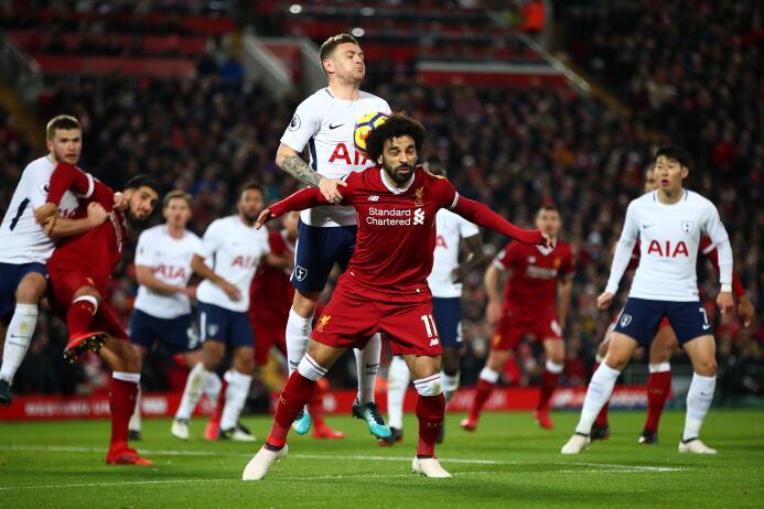 El egipcio Mohamed Salah adelantó al Liverpool en dos ocasiones.