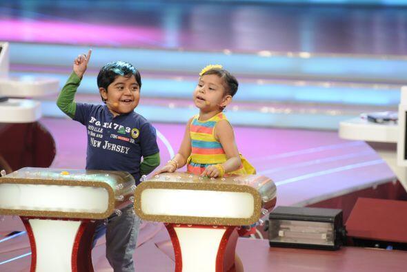 Nazli fue la primera en apretar el botó e interpretó la canción de 'Mi n...