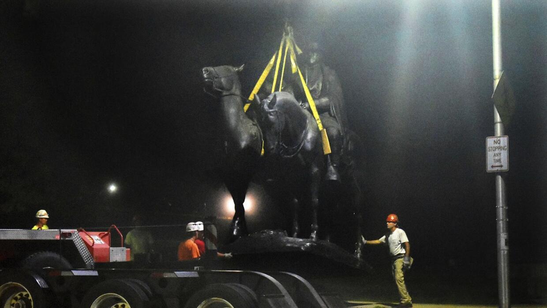 """Trump defiende las """"bellas estatuas confederadas"""" y afirma que """"la cultura de nuestro gran país está siendo destruida"""""""