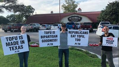 Cómo el tofu y la barbacoa se colaron en la contienda de Ted Cruz y Beto O'Rourke en Texas