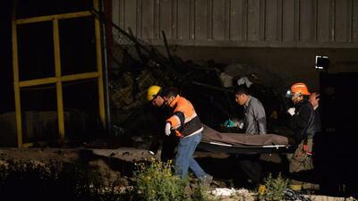 Mueren 8 al desplomarse una avioneta en México