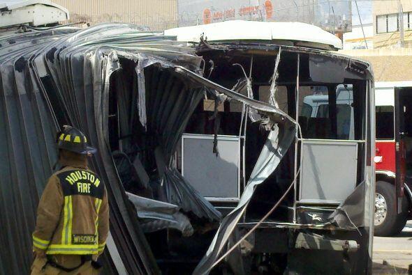Por este motivo en ese momento no se encontraban pasajeros en el autobús...