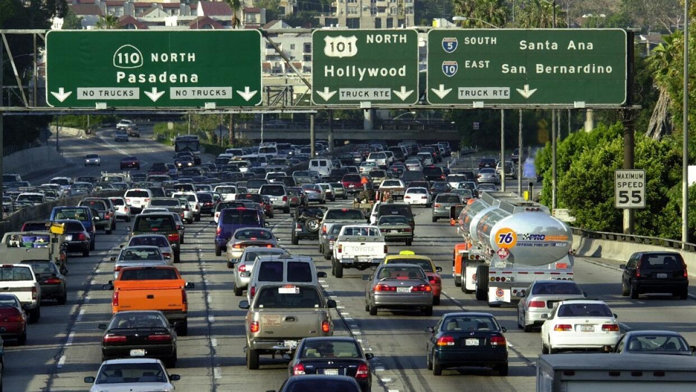 Tráfico en una autopista de Los Ángeles