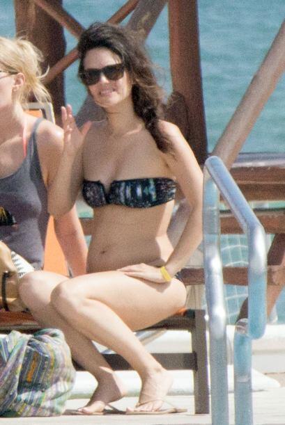 Rachel Bilson se fue de vacaciones y fue pillada en bikini. Mira aquí lo...