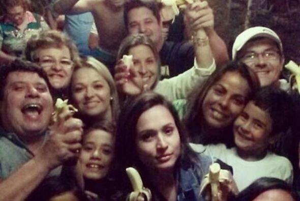 Mismo caso de Thaissa Carvalho, la novia de Dani Alves (al centro). (Fot...