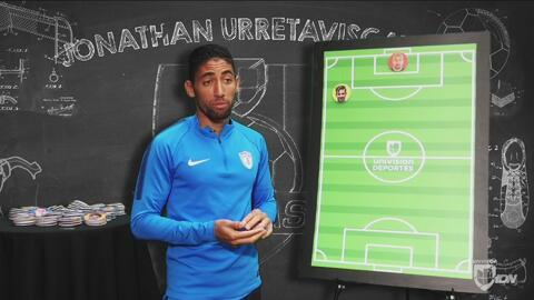 Jonathan Urretaviscaya mostró sus dotes de técnico y presentó su alineac...