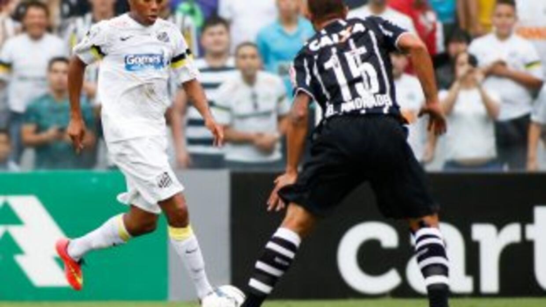 Corinthians derrotó al Santos por 1-0.