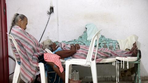 Dos mujeres ancianas en Coyuca de Benítez, en Guerrero.