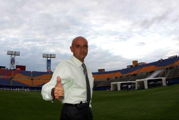 Su estancia con la Franja duraría hasta el Apertura 2008 donde fue relev...