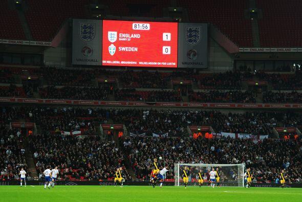 El marcador mostraba el resultado final, triunfo inglés por la mínima df...