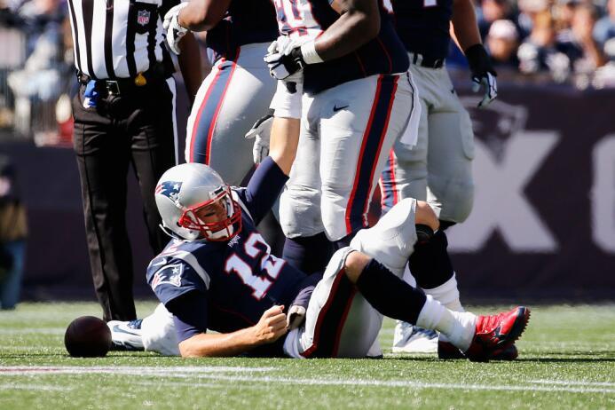 Por su parte, Tom Brady completó 32 de 45 pases para 307 yardas y dos an...