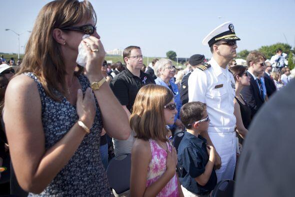 Muchos no pudieron contener las lágrimas durante el Himno Nacional