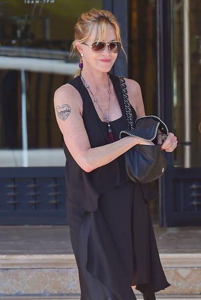 La actriz de 56 años se fue de compras por Beverly Hills. Vota aq...