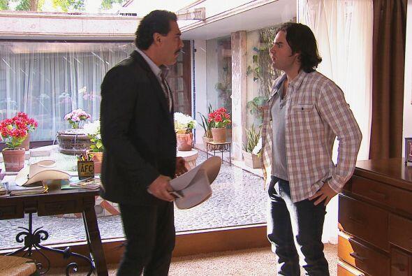 Tu papá no quiere que los Velasco y los Carmona vuelvan a tener contacto.