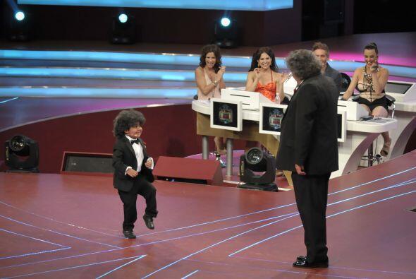 Rogelio no pudo evitar sorprenderse al ver a Jo Jo Jorge Falcón en el es...