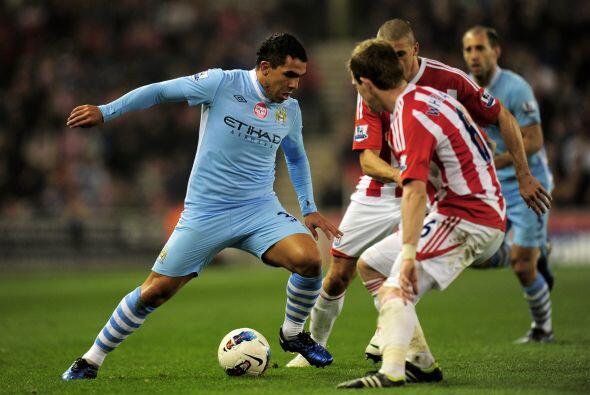 Inmediatamente después del gol, Mancini mandó al campo a Carlos Tévez.
