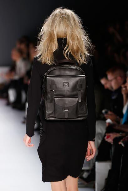 Ahora esta bolsa escolar también pueden llevarla las mujeres más 'chic'...