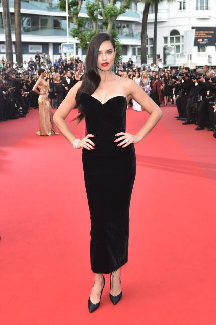 La 'fashion icon' Adriana Lima cumple 34 años