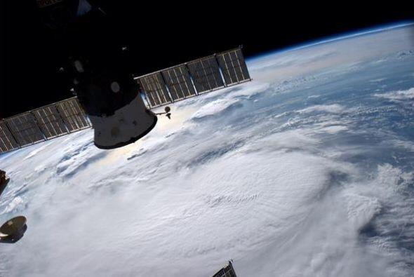Depresión tropical en la costa de Florida. (foto del 2 de julio)...