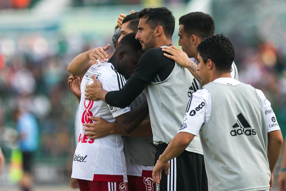 Xolos gana y Jaguares se hunde en el descenso Celebran gol 1.jpg