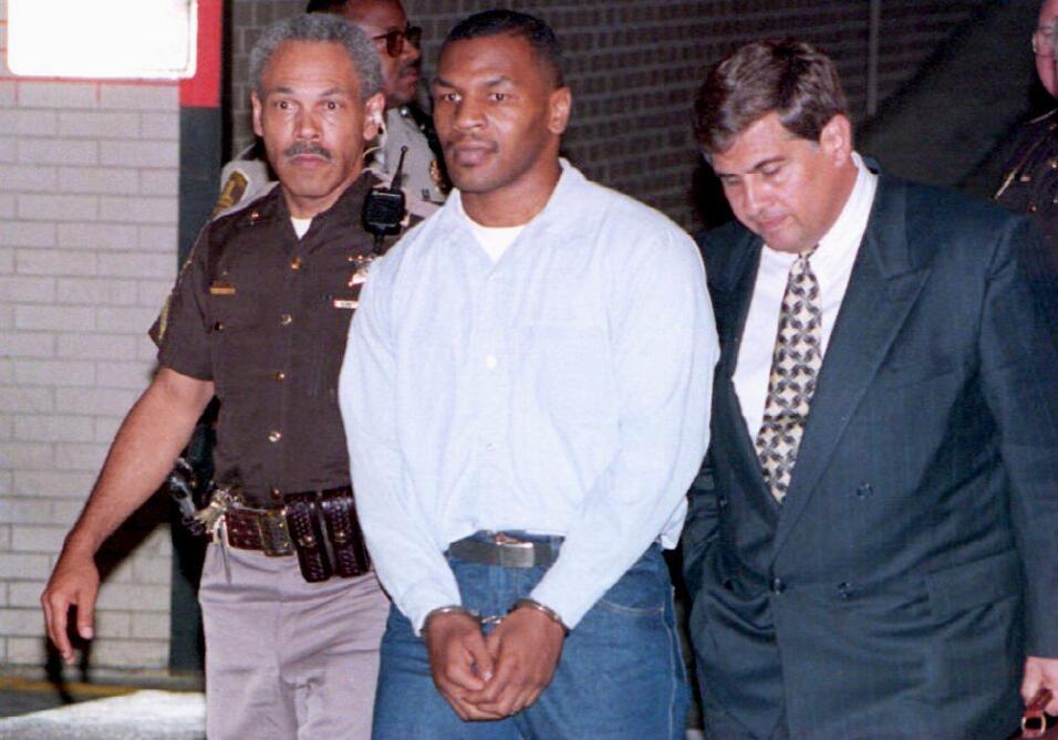 Amplian condena a Larry Nassar por abusar de varias jóvenes, entre ellas...