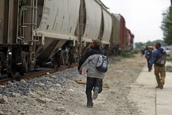 México es paso obligado de cientos de migrantes que buscaban a diario su...