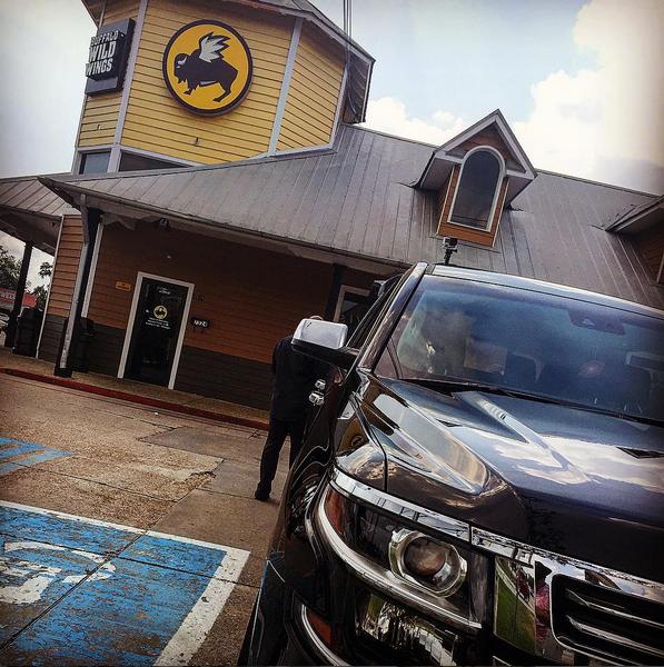 Kevin Ortiz no oculta su pasión por los autos, y los presume a cada rato...