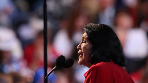 """Dolores Huerta confía en el poder """"inspirador"""" de Hilla..."""
