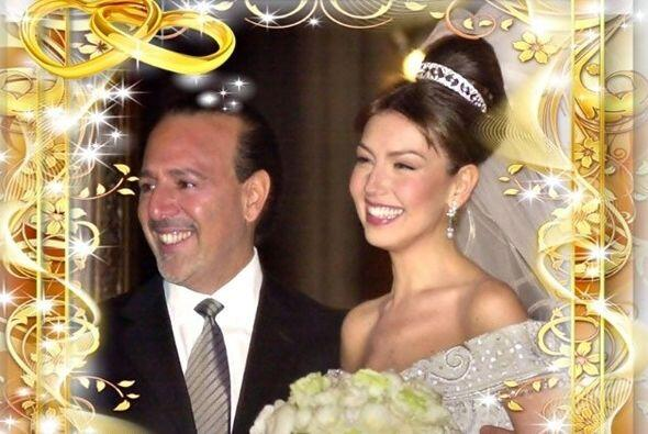 Thalía celebra 13 años de matrimonio con Tommy Mottola muy enamorada.
