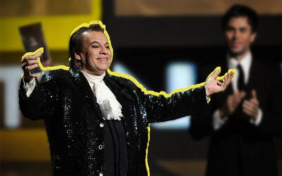 Así como si se tratara de un príncipe del siglo XVII recibió Juan Gabrie...