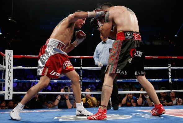 Alvarado (34-1, 23 kos)  con un boxeo de contragolpe dominó desde el ter...