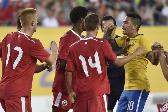 Brasil dominó a placer en el estadio Hamilton y supo cristalizar su supe...