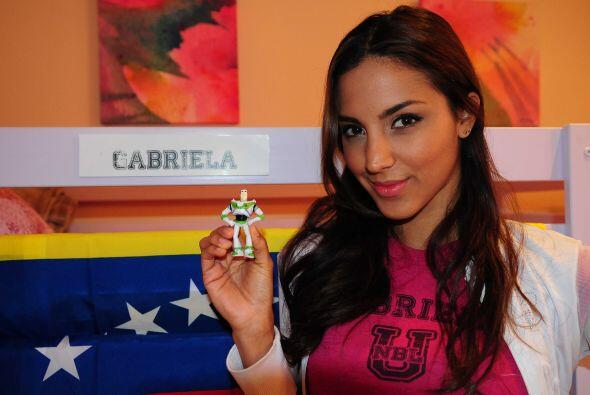 Gabriela nos sorprendió con un lindo juguete. Nada menos que Buzz Lighty...