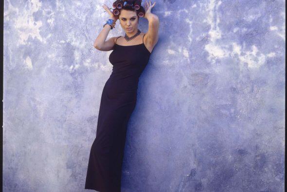 ¡Comprobado!, los rulos sólo le quedan bien a Angelina y a doña Florinda.
