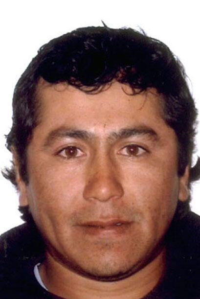 Víctor Zamora, casado, de 33 años, vivió junto con sus 32 compañeros una...