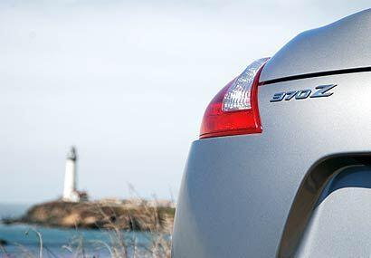 Con su nuevo modelo, Nissan amplia la herencia de convertibles que comen...