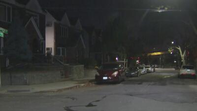 Un hombre resultó gravemente herido tras ser arrollado en Queens por un conductor que huyó
