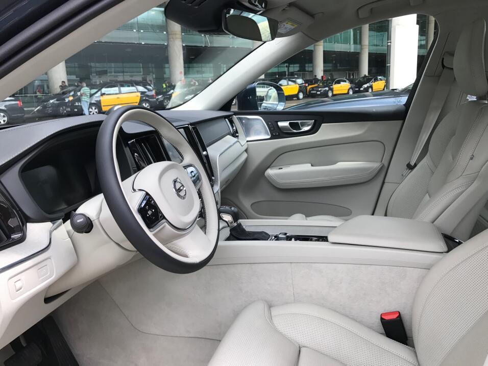 La Volvo XC60 2018 convierte a la casa sueca en el fabricante de autos m...