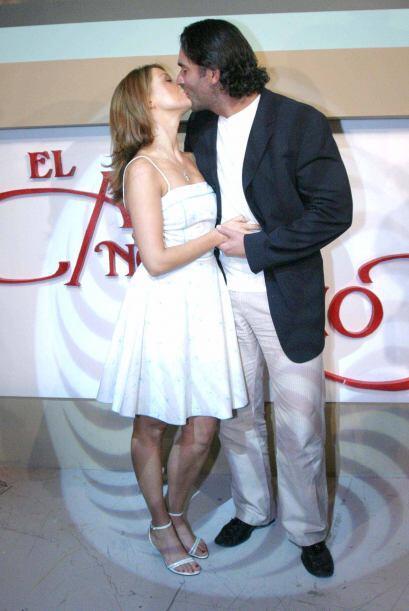 Susana González y Eduardo Santamarina se dieron tantos y tan buenos beso...