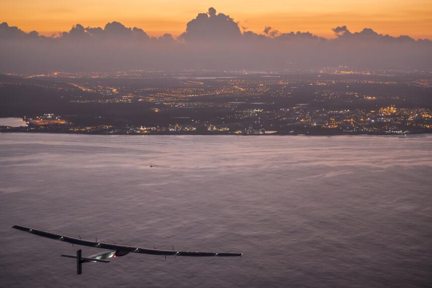Etapa 8: Nagora-Hawái. Al segundo intento, casi un mes después, el avión...