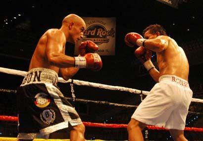 En la última pelea de fondo, el puertorriqueño Jesús Pabón enfrento al c...
