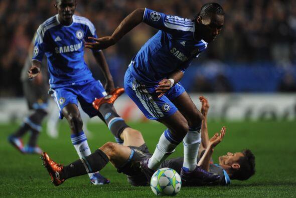 Mientras tanto, el Chelsea no dejaba de insistir en busca del tanto para...