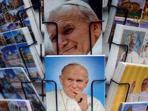 Este 27 de abril, los papas Juan Pablo II y Juan XXIII llegarán a...